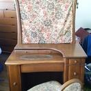木製無垢材ドレッサー&椅子