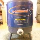 ウォータージャグ(携帯式保冷容器)