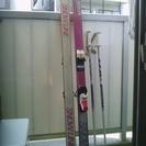 初心者用スキー板(女性用)ストック付もらって下さい