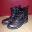 黒のブーツ