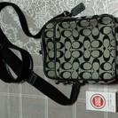コーチ布製斜め掛けバッグ