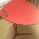 IKEA赤いパソコンテーブル