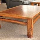 明るい木目のローテーブル、和風