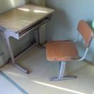学校の机と椅子0円