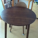 ダイニングテーブル+椅子1脚★無料★送料負担お願いします。