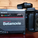 【再掲】年代物のレトロなビデオカメラ