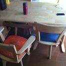 使用中のテーブル+イス4脚セット
