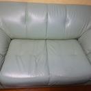 二人用グリーンのソファー