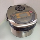 炊飯器、圧力鍋、ジューサーのセットでいかがでしょうか。