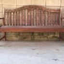 木製の屋外ベンチ