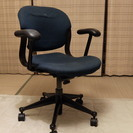 ハーマンミラーの椅子(エクア)