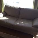ニトリ製3人掛けソファ買って三年です