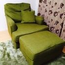 包みこまれるソファ