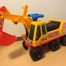 わんぱくシャベル 乗用玩具 足蹴り車