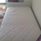 ベッド&ベッドフレーム