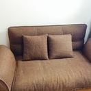 無料です!二人掛けのソファ+棚