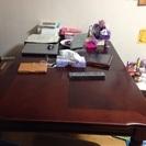 ダイニングテーブルと、椅子4個