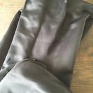 黒のカーテン 分厚い遮光カーテン
