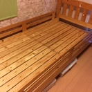 木製シングルベッド ¥300