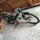 商談中   中古の折りたたみ自転車です  自動車のトランク入れ現地...