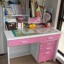 ピンクの学習机とイスのセット、差し上げます