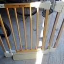 木の赤ちゃん用ゲート
