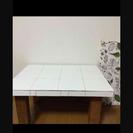 タイル張りテーブル