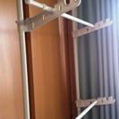 [お譲りする方が決まりました]窓枠に設置できる(突っ張りポール)室...