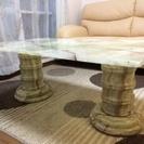 大理石のテーブルなど