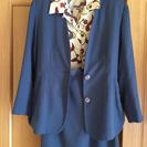 スーツと半袖ブラウスのセット