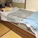 棚付き、引き出し収納付きシングルベッド