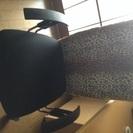 肘掛け付き回転椅子