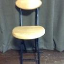 折りたたみ式の椅子