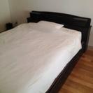 木製キングサイズベッド(ブラック)