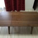 伸展式テーブル