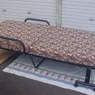 <美品>折り畳みベッド・マット厚く寝心地良いです♪