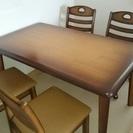 テーブル・椅子(キャスター付)5点セット差し上げます