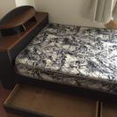 広めのシングルベッドです