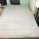 引越しのため、IKEYAのセミダブルベッドを譲ります。