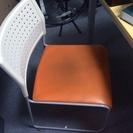 無料で椅子(スタックチェア)4脚