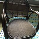 籐の回転式座椅子