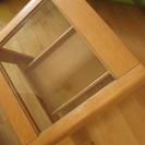 ガラスの天板 木製正方形のテーブル