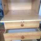 木製のレトロな収納棚