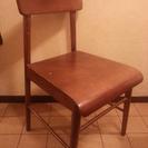 木の椅子 980円