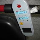 未使用新品・電動フイットネスラウンドソファ・チェアー。今日だけ20%オフです! 両肘付き赤 w80、時間・速度・距離・消費カロリー表示機能付き - 北神戸