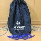 子供用水泳ゴーグルとバッグ