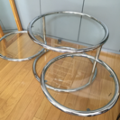 美品おしゃれなガラス3段テーブル