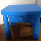 IKEAの子供用テーブル