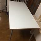 【終了しました】頑丈な白い作業台/PC机を無料で!