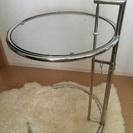 アイーリングレイのサイドテーブル